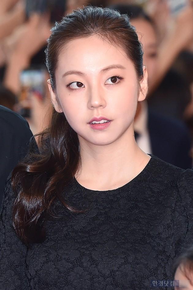 안소희, '평소에는 시크한 코양이 얼굴'