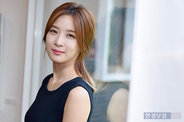 '운빨로맨스'에 출연한 배우 이청아가
