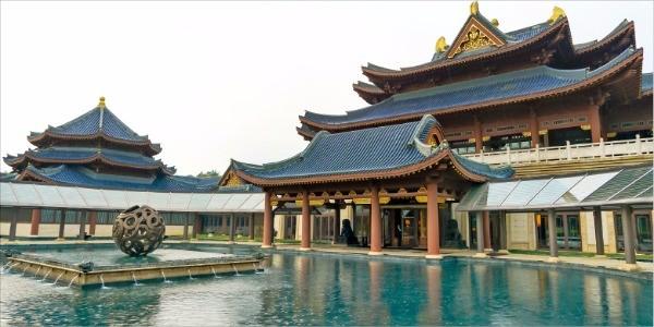 중국풍의 골프클럽하우스