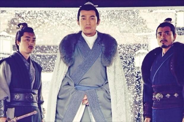 중국 작가 하이옌의 동명 소설을 원작으로 제작해 큰 인기를 모은 54부작 드라마 '랑야방'.