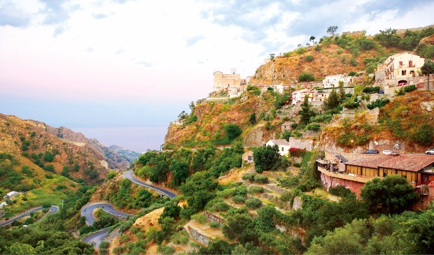 <대부>의 주요장면을 촬영한 언덕위 작은 마을 사보카