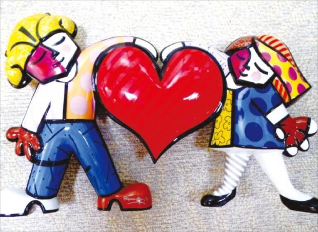 오는 22~24일 서울 삼성동 코엑스에서 열리는 제1회 조형아트서울에 출품된 브라질 조각가 로메로 브리토의 작품 '하트와 아이들'.
