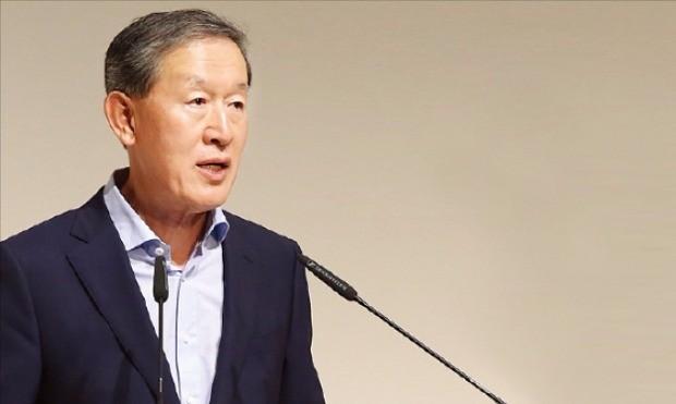 허창수 GS그룹 회장이 20일 3분기 GS 임원모임에서 내부 역량 강화를 주문하고 있다. GS 제공