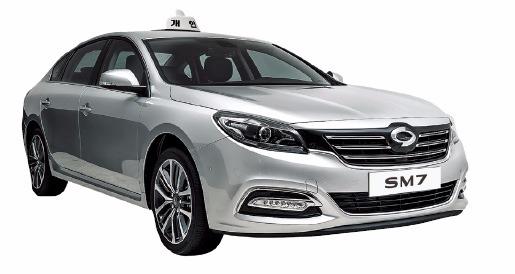 SM7, 준대형 택시 시장 출격, 납작해진 연료통…트렁크가 넓네 !