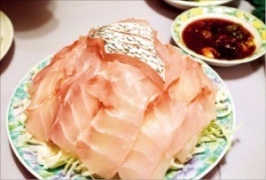 여름 보양식 민어회.