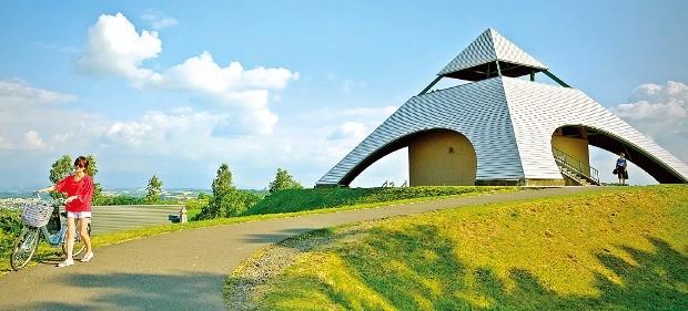 패치워크 길 일대가 한눈에 내려다보이는 호쿠세이노오카 전망공원.