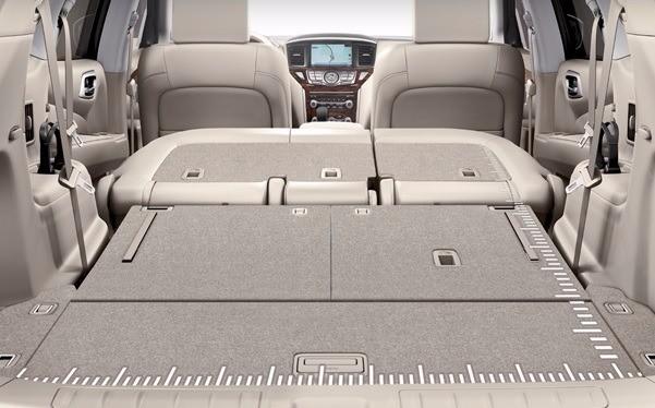 2, 3열 좌석을 모두 접으면  2259L의 큰 적재 공간이 생긴다.