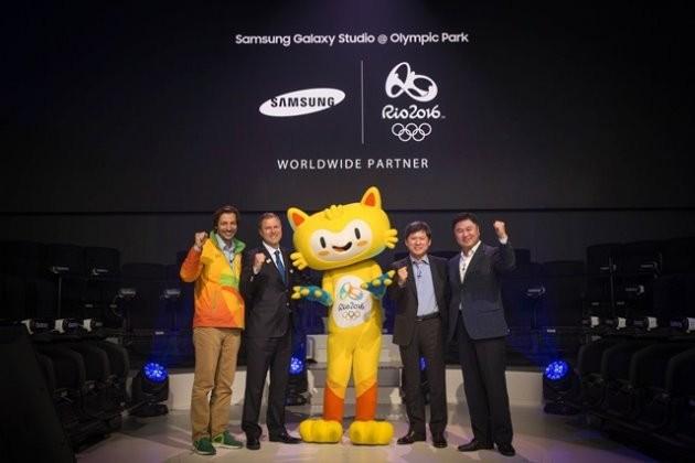 삼성전자가 2일(현지시간) 브라질 리우데자네이루 올림픽 파크에서 최신 갤럭시 스마트폰과 가상현실VR 기기를 체험할 수 있는 '갤럭시 스튜디오' 개관식을 진행했다./ 제공 삼성전자