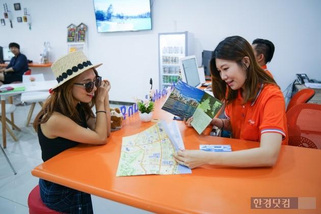 제주항공이 자유여행객의 여행 편의를 돕기 위해 운영하고 있는 코타키나발루 라운지 모습. (사진=제주항공 제공)