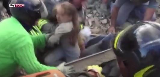 이탈리아 지진. 스카이 TG24 영상 캡처