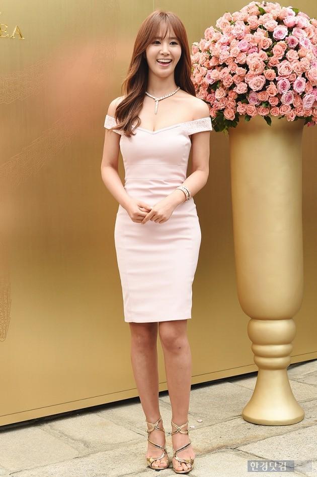 소녀시대 유리, '누드톤 드레스에 드러난 몸매'