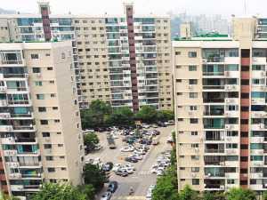 35층? 40층? 서울시 결정 또 미뤘는데…압구정 집값 '과속 스캔들'
