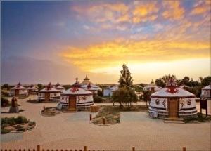 통호 초원의 몽골식 텐트