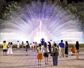 서울 예술의전당 문화광장에 설치된 음악분수.