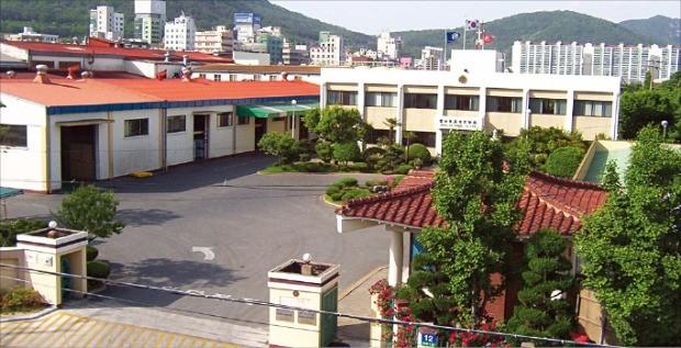 몽고식품 창원공장.