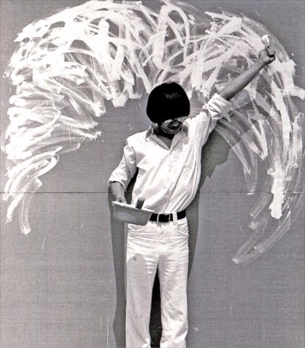 전위미술가 이건용 씨가 1976년 선보인 행위예술 '신체드로잉 76-2'