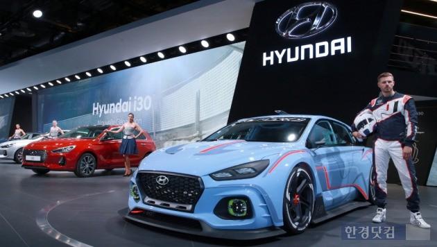 현대자동차가 2016 파리모터쇼에 출품한 'RN30' 콘셉트카. (사진=현대차 제공)