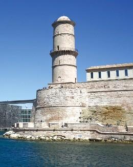 17세기까지 수많은 정치범들이 갇혀 있었던 이프 성.