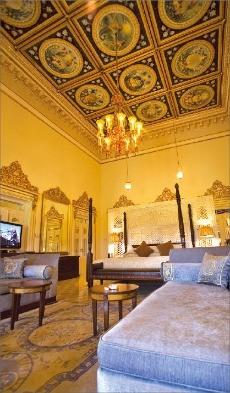 우다이푸르의 호텔인 레이크팰리스