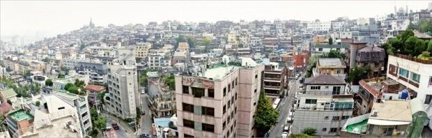 서울시가 '한남지구 개발계획 변경지침안'을 공개한 뒤 계획이 먼저 확정된 한남 3구역 이외 2·4·5구역 사업도 탄력을 받고 있다. 한남뉴타운 전경. 한경 DB