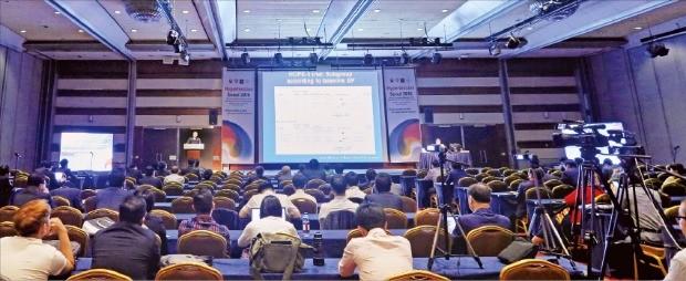 세계고혈압학회 학술대회가 지난 24일 서울 코엑스에서 개막해 최신 치료 기술을 소개했다. 세계고혈압학회 제공