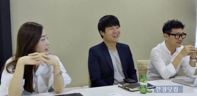 서울 강남구 청담동 파킹클라우드 사무실에서 만난 '아이파킹' 개발·기획 담당자들. 이들은 개화 단계의 주차 O2O 시장에서 아이파킹만의 차별화된 서비스를 늘 고민하고 있다.
