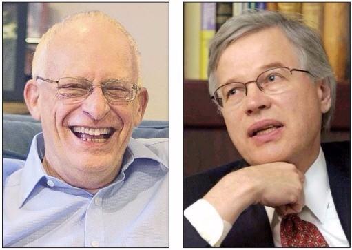 올리버 하트 교수(왼쪽). 벵트 홀름스트룀 교수