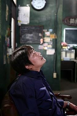 송강호는 영화 '우아한 세계'에서