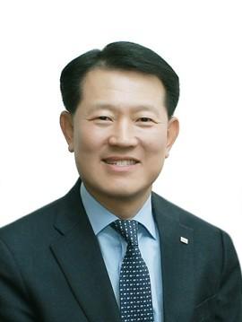 <사진: 최경주 사장>
