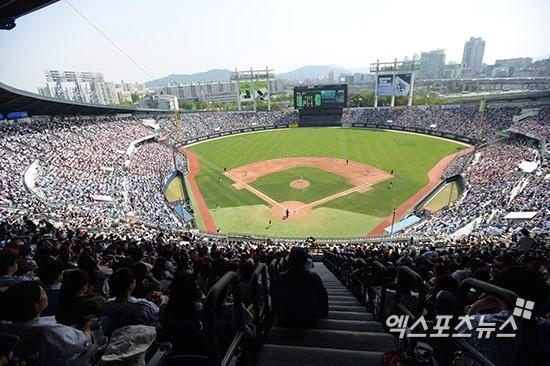 2016 한국시리즈 1, 2, 6, 7차전이 열릴 서울 잠실야구장. 엑스포츠 제공