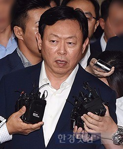 신동빈 롯데그룹 회장. 최혁 한경닷컴 기자