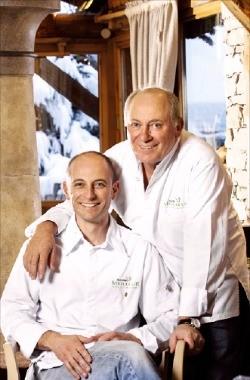 미슐랭 3스타의 프랑스 레스토랑 '라 부이트'의 셰프들.