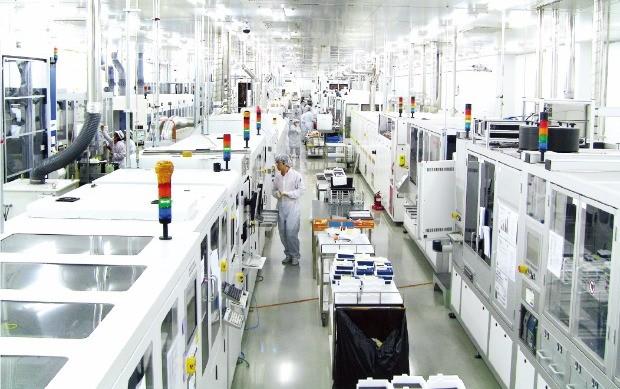 신성솔라에너지 충북 증평공장은 올 들어 24시간 풀가동 중이다. 신성그룹 제공