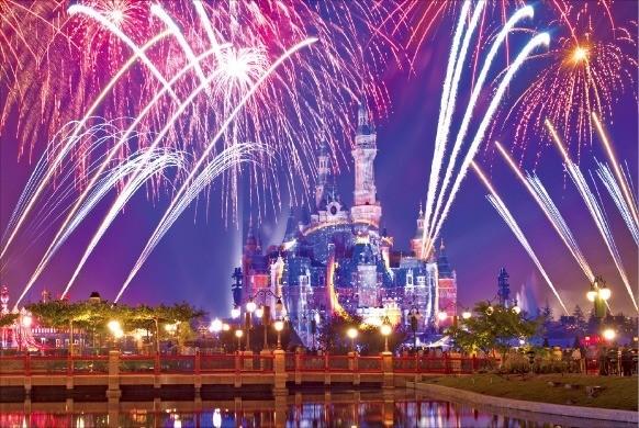 디즈니랜드 최고의 볼거리로 꼽는 '이그나이트 더 드림'