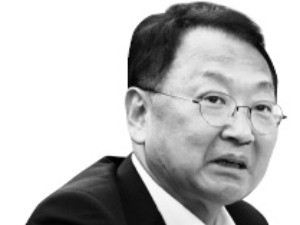 """유일호 """"투기과열지구 지정 등 강남 대책 두루 검토"""""""