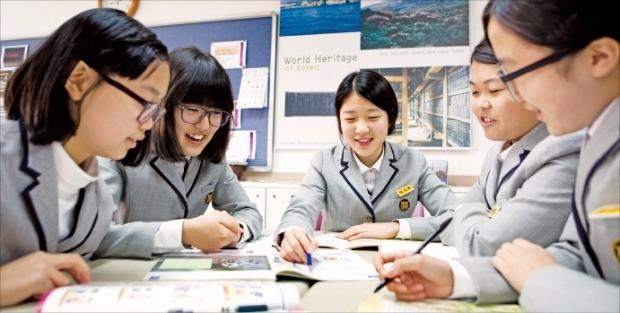 행복교육박람회를 찾아오면  6대 교육개혁과제로 달라진 수업 분위기와 학교 현장 변화 등을 확인하고 맞춤형 진학상담도 받을 수 있다. 교육부 제공