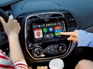 운전석 옆에 뗐다 붙였다 하는 T2C…달릴 땐 내비·후방카메라·오디오, 차 밖에선 태블릿PC