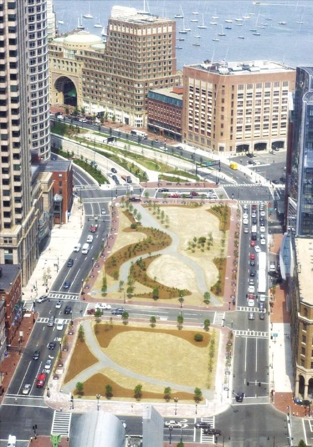 미국 보스턴시는 150억달러를 들여 도심 간선도로를 공원화하는 그린웨이 사업을 완성했다. 보스턴의 로즈 케네디 그린웨이 전경.