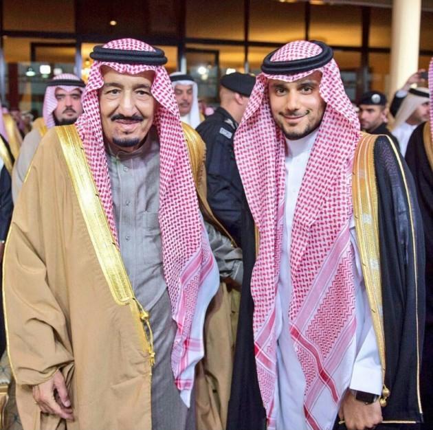 왼쪽부터 살만 사우디아라비아 국왕과 칼리드 빈 알 왈리드 왕자. 사진=썬코어