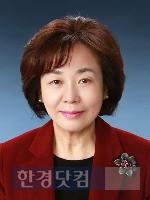학습자중심교과교육학회장에 선출된 강명희 덕성여대 교수.