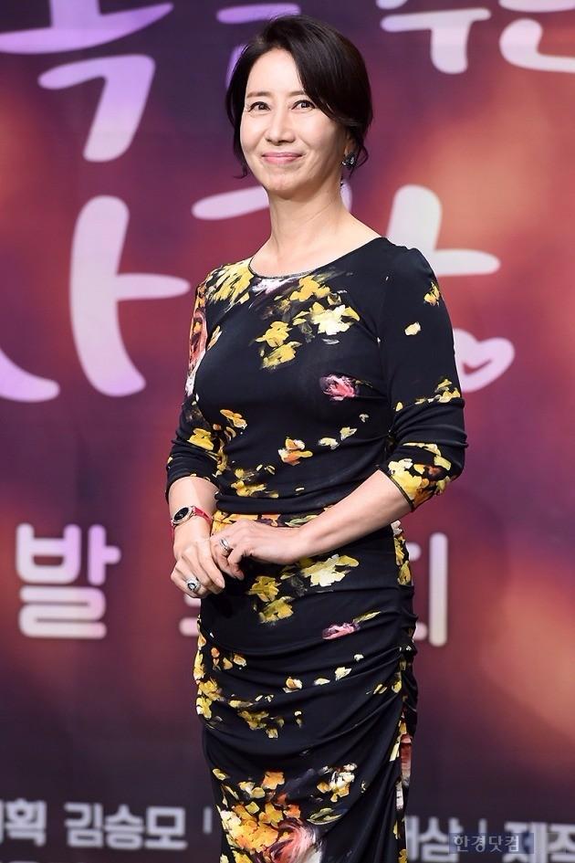 '행복을 주는 사람' 송옥숙 /변성현 기자