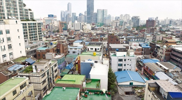전체 면적의 3분의 1가량이 정비구역에서 해제된 서울 영등포뉴타운 내 주택가. 한경DB