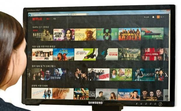 세계 최대 동영상 스트리밍 서비스 업체인 넷플릭스의 초기 화면. 넷플릭스는 업계에서 가장 정교한 추천 엔진을 통해 이용자에게 맞춤형 큐레이션 서비스를 제공한다. 한경DB
