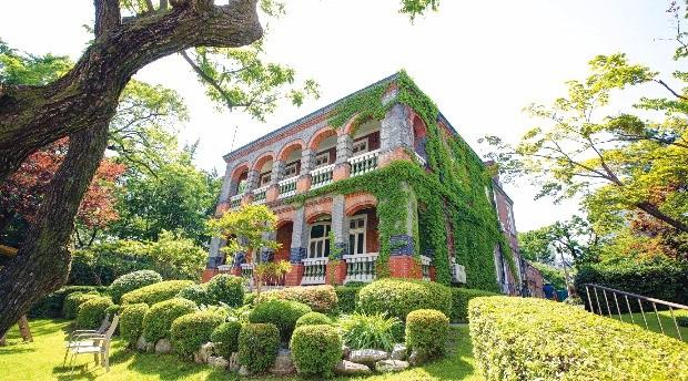 1890년에 지어진 영국 대사관. 정동의 터줏대감 노릇을 톡톡히 하고있다.