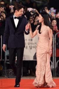 [HEI포토] 현우-이세영, '시키지 않아도 달달한 눈맞춤~' (KBS 연기대상)