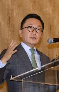 """[신년사]박현주 미래에셋 회장 """"투자로 새로운 길 만들어야…영원한 혁신자 될 것"""""""