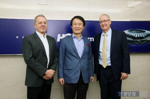 (왼쪽부터) 짐 하먼 오택 대표, 김종훈 한미글로벌 회장, 마이크 데이 데이씨피엠 대표.