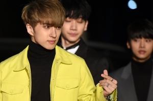 [PHOTOPIC] 빅스, 어떤 컬러 수트도 멋지게 소화하는 남자들' (서울가요대상)