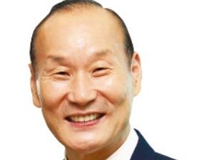 """최병오 패션그룹형지 회장 """"3월 부산에 복합몰 개장"""""""