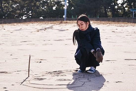 김민희가 출연한 홍상수 감독의 영화 '밤의 해변에서 혼자'